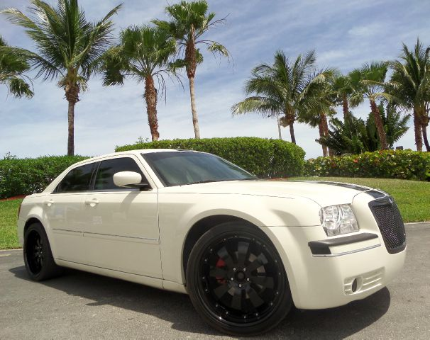 2007 CHRYSLER 300 TOURING WITH LEATHER white call 1-877-775-0217 for sales trades welcome