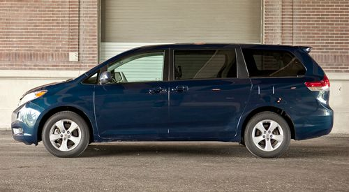 2004 TOYOTA SIENNA LE - 8 PASSENGER blue call 1-877-775-0217 for sales this beautiful 2004 t