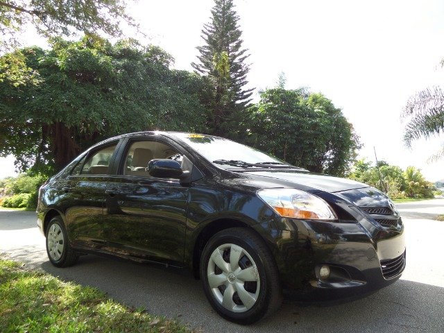 2008 TOYOTA YARIS SEDAN S black call 1-877-775-0217 for sales this 2008 toyota yaris runs gr
