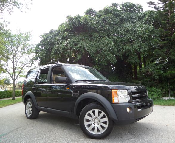 2005 LAND ROVER LR3 SE black call 1-877-775-0217 for sales loaded with a powerful v8 engine