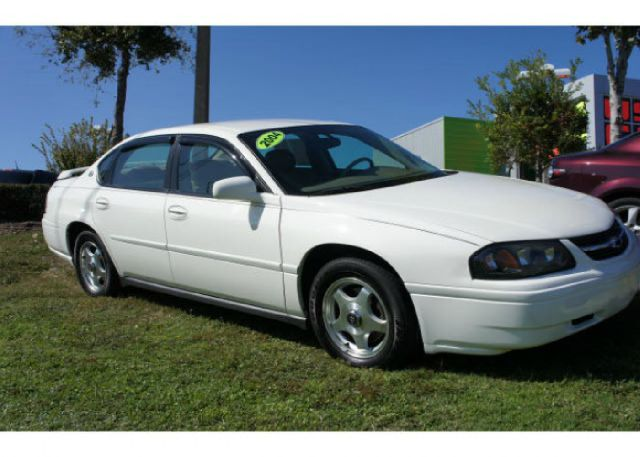 2004 CHEVROLET IMPALA BASE white this 2004 chevrolet impala runs great and has been thoroughly ins