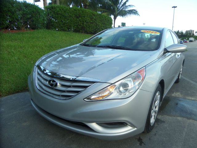 2011 HYUNDAI SONATA GLS 4DR SEDAN 6A silver call 1-877-775-0217 for sales built with quality