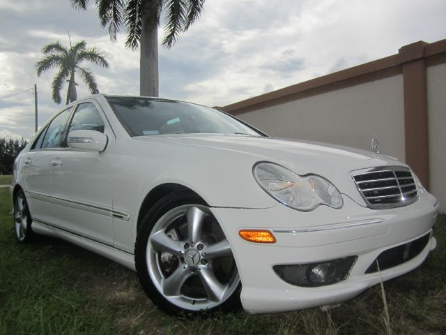 2006 MERCEDES-BENZ C-CLASS C230 SPORT SEDAN white call 1-877-775-0217 for sales this beautif