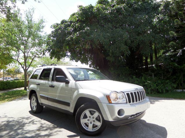 2005 JEEP GRAND CHEROKEE ROCKY MOUNTAIN EDITION 2WD silver call 1-877-775-0217 for sales thi