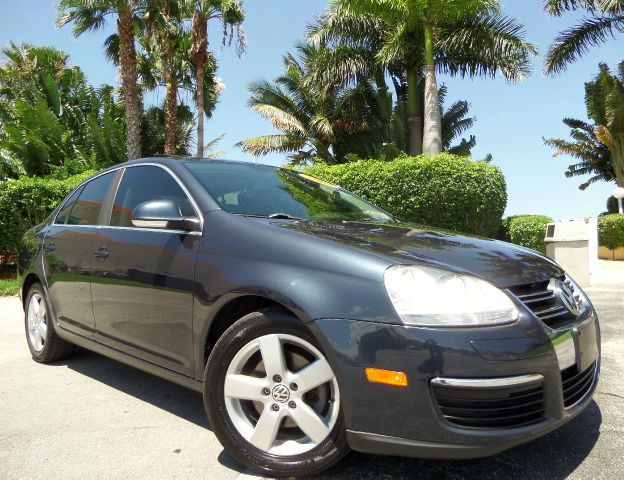2008 VOLKSWAGEN JETTA SEL PZEV 4DR SEDAN gray call 1-877-775-0217 for sales this 2008 volksw
