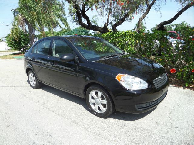 2006 HYUNDAI ACCENT GLS black call 1-877-775-0217 for sales this 2006 hyundai accent gls run