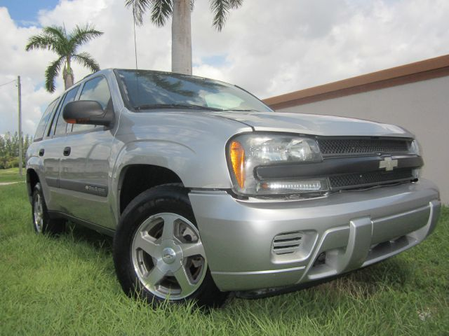 2004 CHEVROLET TRAILBLAZER LT 2WD gold call 1-877-775-0217 for sales this beautiful 2004 che