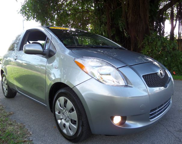 2008 TOYOTA YARIS LIFTBACK gray this beautiful 2008 toyota yaris runs very well and has been thoro