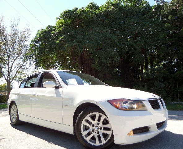 2006 BMW 3 SERIES 325I SEDAN white call 1-877-775-0217 for sales this 2006 bmw 325i sport lu