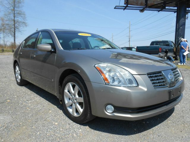 2004 NISSAN MAXIMA SE gold this 2004 nissan maxima runs great and has been thoroughly inspected m