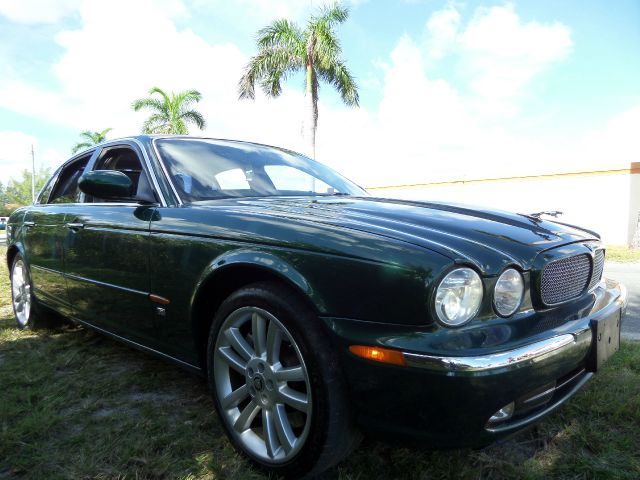 2004 JAGUAR XJR XJR green this beautiful 2004 jaguar xjr runs very well and has been thoroughly in