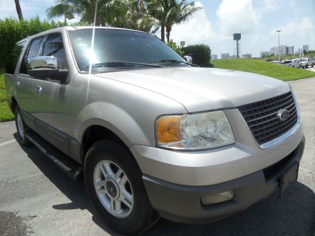 2003 FORD EXPEDITION XLT 4DR SUV silver call 1-877-775-0217 for sales this clean title 2003