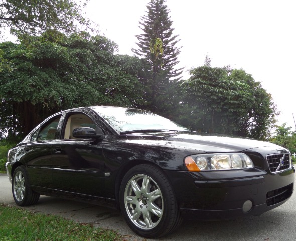 2005 VOLVO S60 25T black call 1-877-775-0217 for sales this 2005 volvo s60 runs great and h