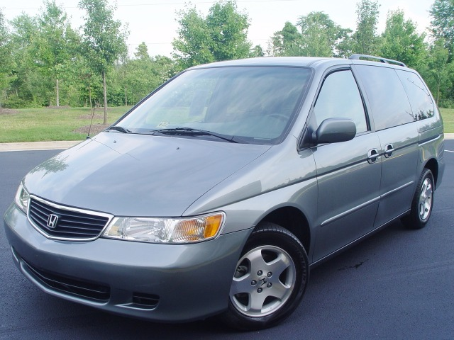 2001 HONDA ODYSSEY EX gray call 1-877-775-0217 for sales this 2001 honda odyssey runs must