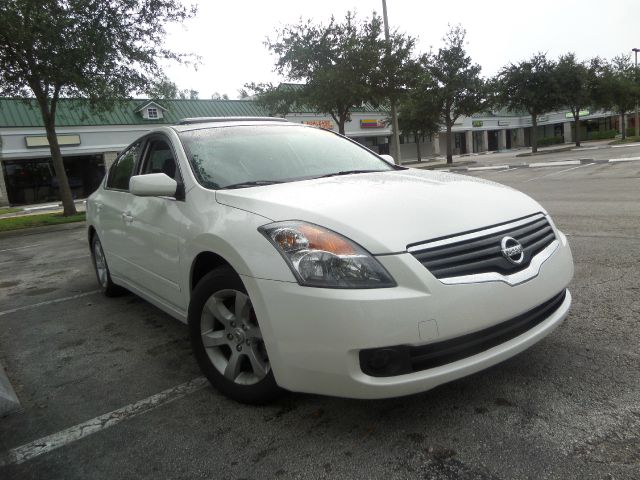 2008 NISSAN ALTIMA 25 4DR SEDAN white call 1-877-775-0217 for sales this 2008 nissan altima