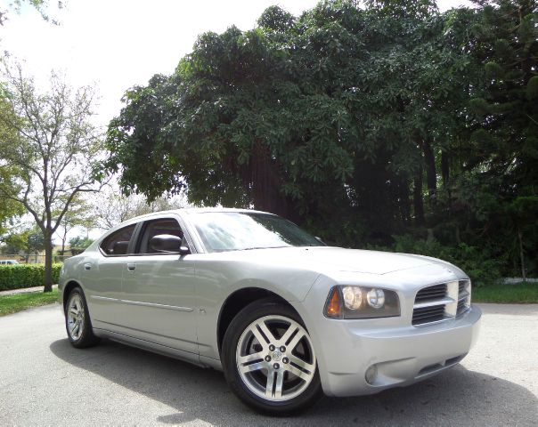 2006 DODGE CHARGER SXT silver call 1-877-775-0217 for sales this 2006 dodge charger sxt runs