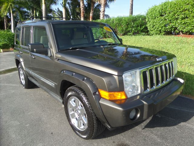 2006 JEEP COMMANDER LIMITED 4DR SUV grey call 1-877-775-0217 for sales this 2006 jeep comman
