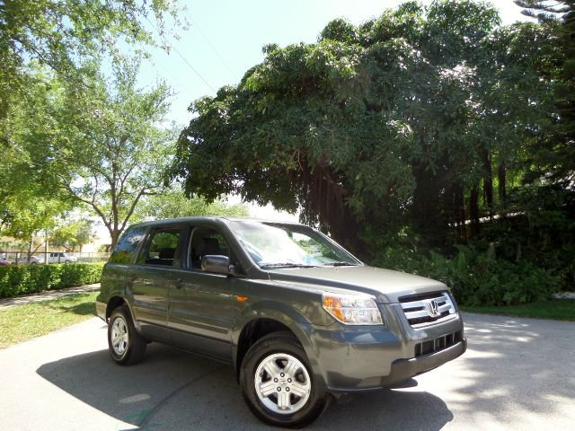 2007 HONDA PILOT LX 2WD gray call 1-877-775-0217 for sales this 2007 honda pilot lx is on sa