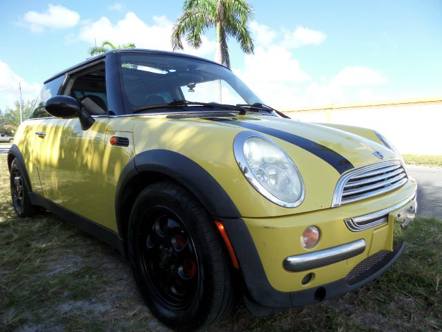 2003 MINI COOPER BASE yellow call 1-877-775-0217 for sales this beautiful 2003 mini cooper r