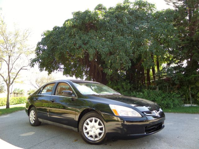 2005 HONDA ACCORD LX SEDAN black call 1-877-775-0217 for sales this 2005 honda accord runs g