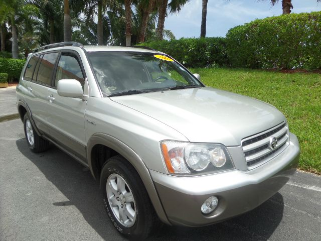 2003 TOYOTA HIGHLANDER BASE AWD 4DR SUV silver call 1-877-775-0217 for sales this 2003 toyot