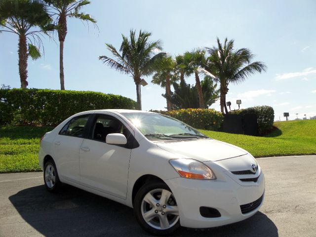2008 TOYOTA YARIS SEDAN white call 1-877-775-0217 for sales trades welcome this 2008 toyota