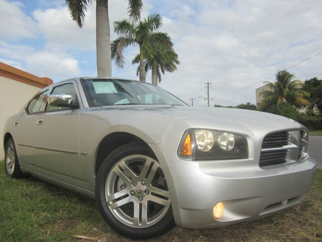 2006 DODGE CHARGER RT silver this 2006 dodge charger rt runs very well and has been thoroughly i