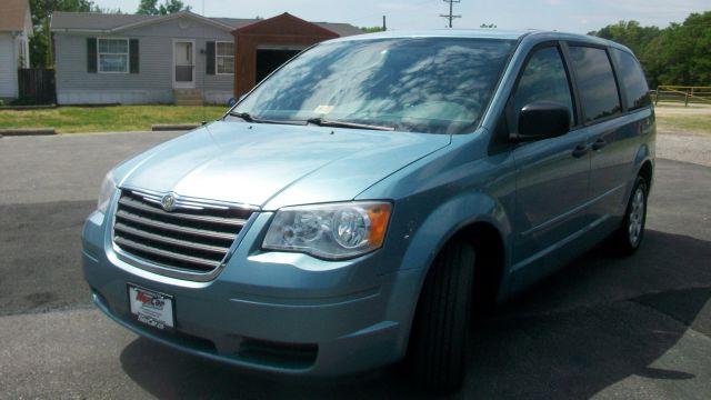 2008 Chrysler Town and Country LX Mini Van Passenger - Fredericksburg VA