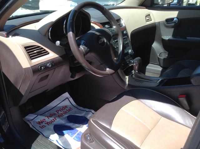 2008 Chevrolet Malibu LTZ 4dr Sedan w/4-Cylinder Spring Package - Millbury OH