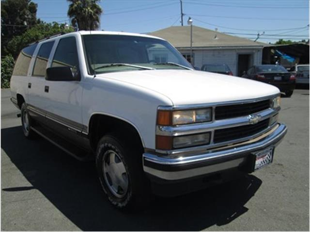 1997 CHEVROLET SUBURBAN SPORT UTILITY white financing available bad credit first time buyers ope