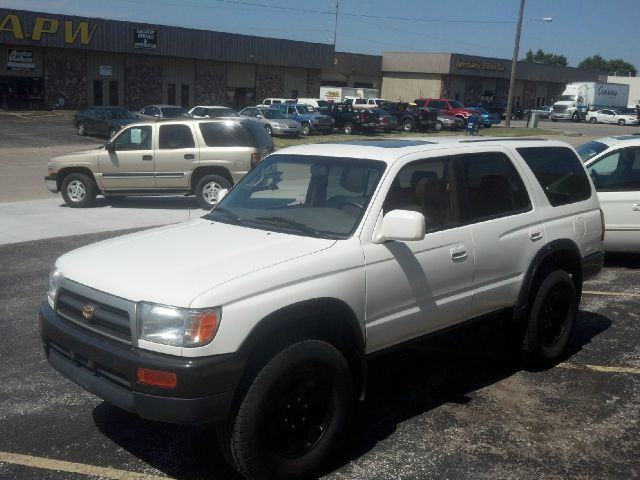 1996 toyota 4runner sr5 4wd in omaha ne magic auto sales. Black Bedroom Furniture Sets. Home Design Ideas