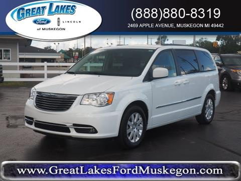 2016 Chrysler Town and Country for sale in Muskegon, MI