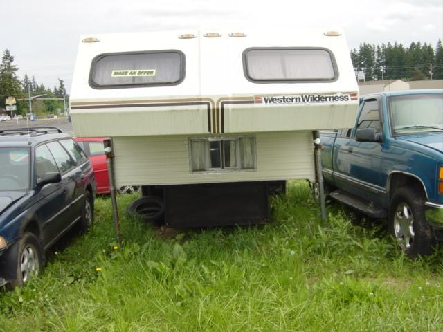 1986 wilderness camper 10.5 ft