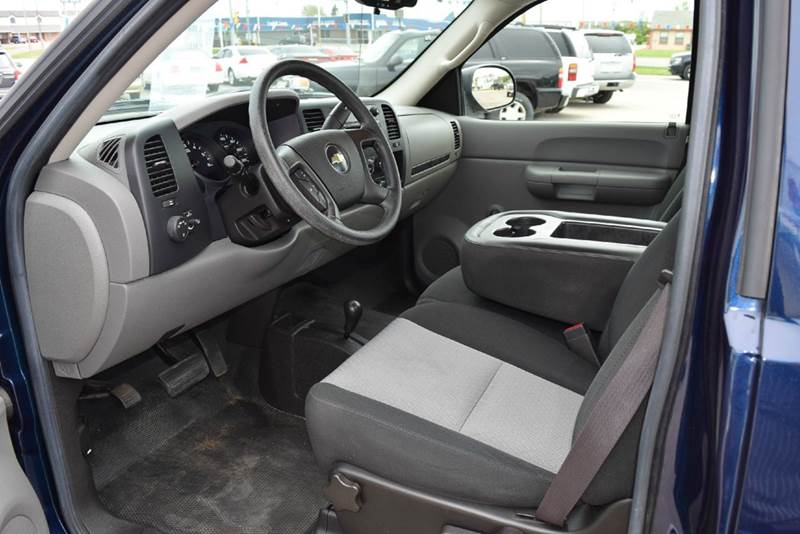 2009 Chevrolet Silverado 1500 4x4 Work Truck 2dr Regular Cab 6.5 ft. SB - Marysville KS