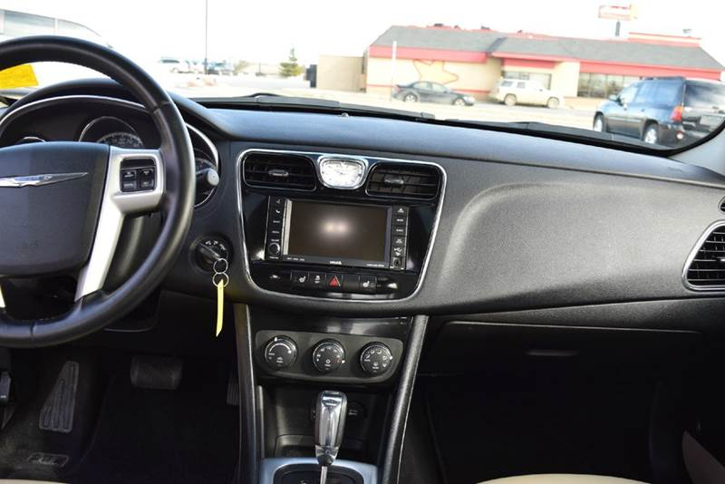 2011 Chrysler 200 Limited 4dr Sedan - Marysville KS