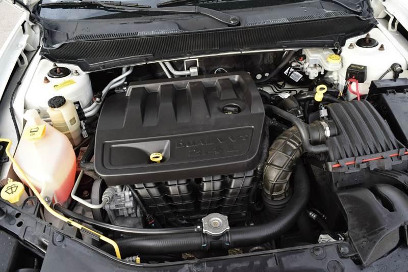2010 Dodge Avenger R/T 4dr Sedan - Marysville KS