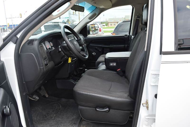 2004 Dodge Ram Pickup 2500 4dr Quad Cab ST 4WD LB - Marysville KS