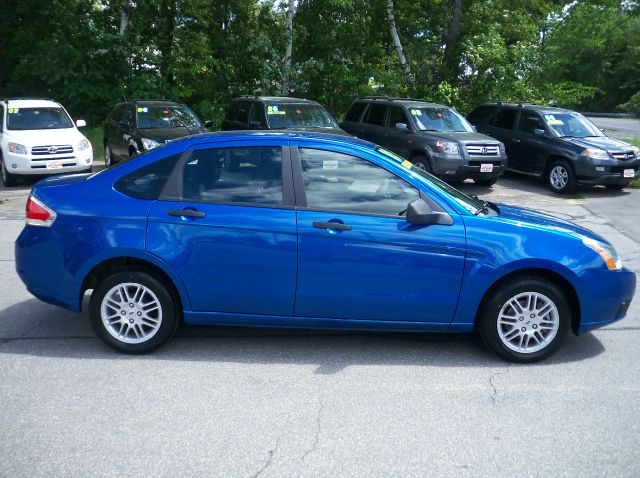 2010 Ford Focus SE Sedan - Pelham NH