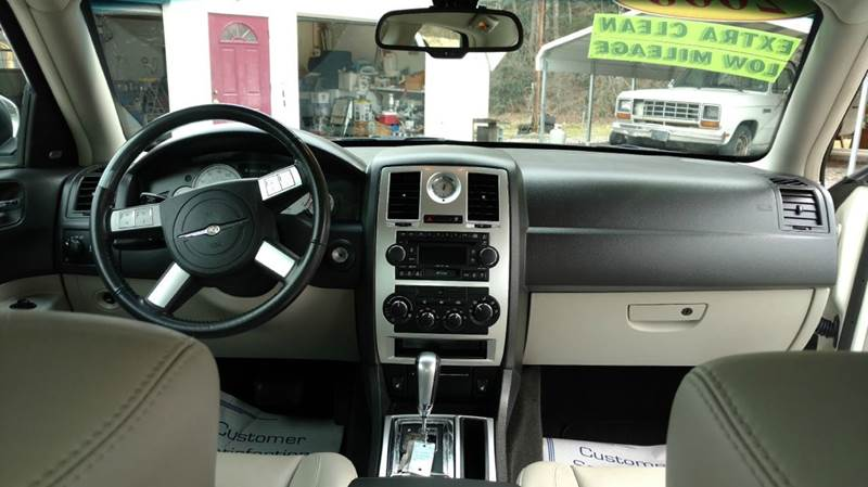 2006 Chrysler 300 C 4dr Sedan - Laurel Bloomery TN
