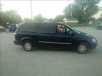 2005 Chrysler Town and Country for sale in Murray, IA