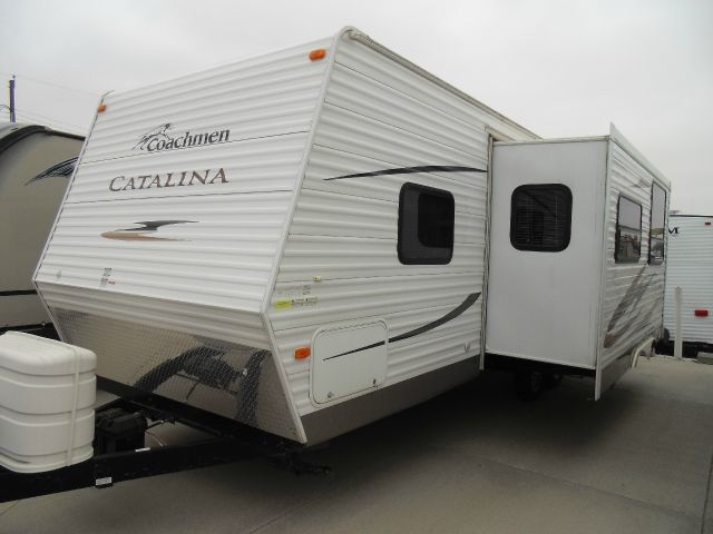 2011 Coachman Catalina 27BH Travel Trailer