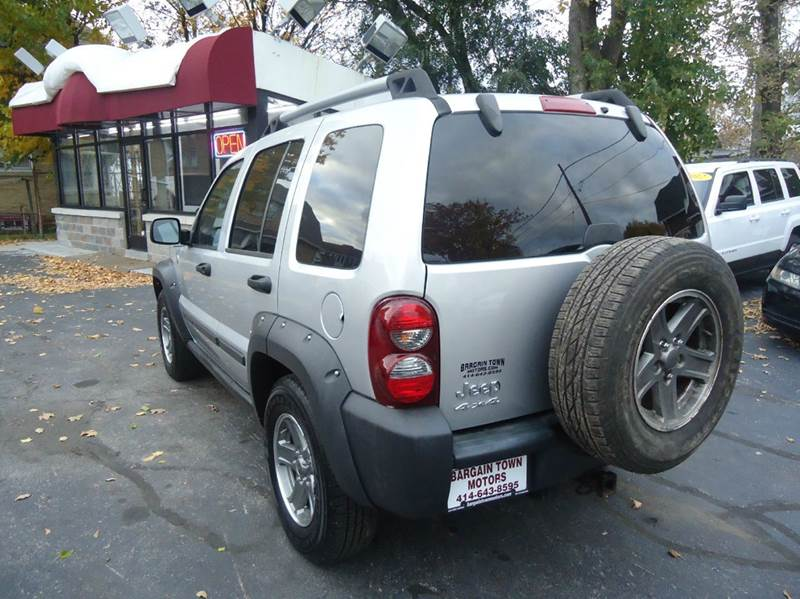 2006 Jeep Liberty Renegade 4dr SUV 4WD - Milwaukee WI
