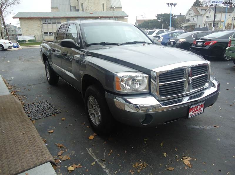 2006 Dodge Dakota SLT 4dr Quad Cab 4WD SB - Milwaukee WI