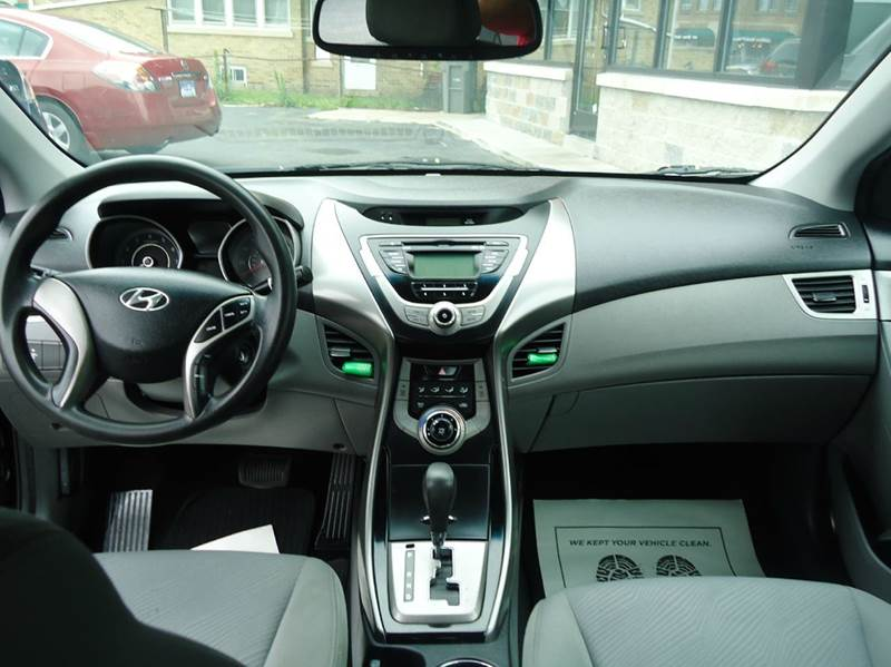 2013 Hyundai Elantra GLS 4dr Sedan - Milwaukee WI
