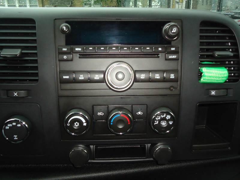 2008 Chevrolet Silverado 1500 LT1 4WD 2dr Regular Cab 8 ft. LB - Milwaukee WI
