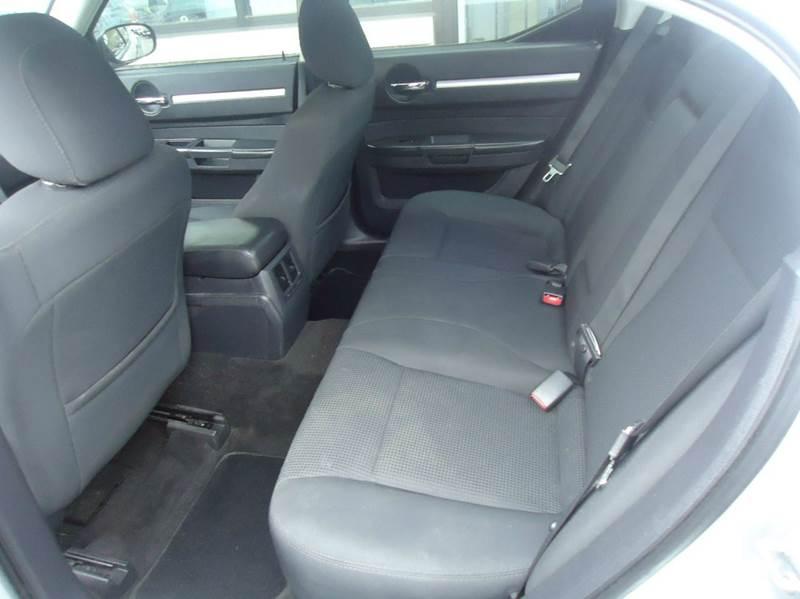 2009 Dodge Charger SXT 4dr Sedan - Milwaukee WI