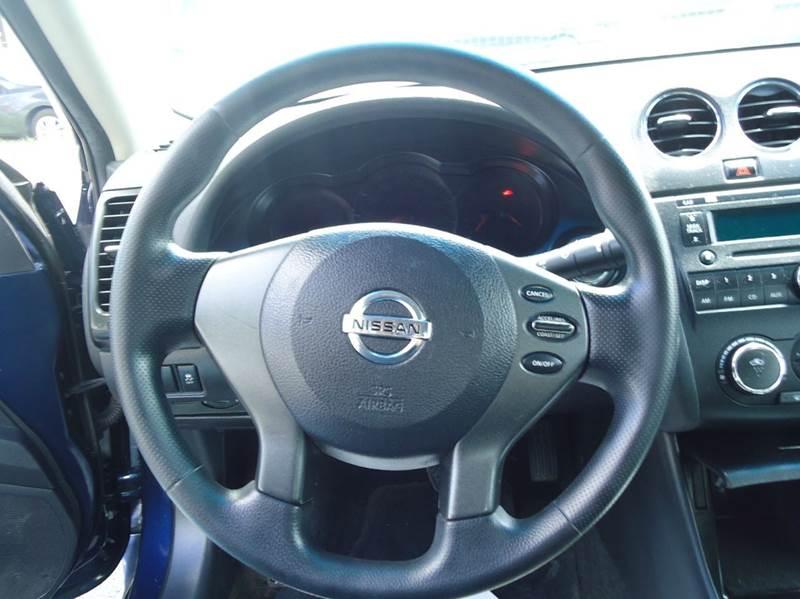 2011 Nissan Altima 2.5 S 4dr Sedan - Milwaukee WI