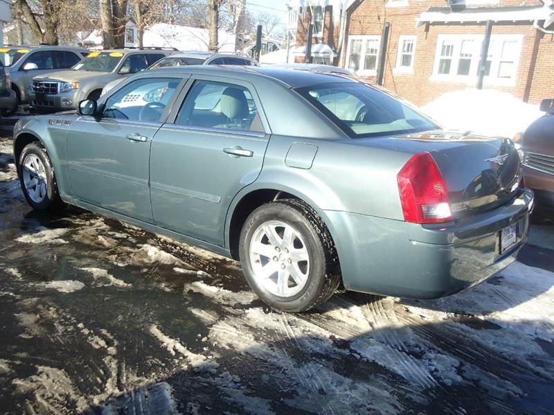 2006 Chrysler 300 Base 4dr Sedan - Milwaukee WI