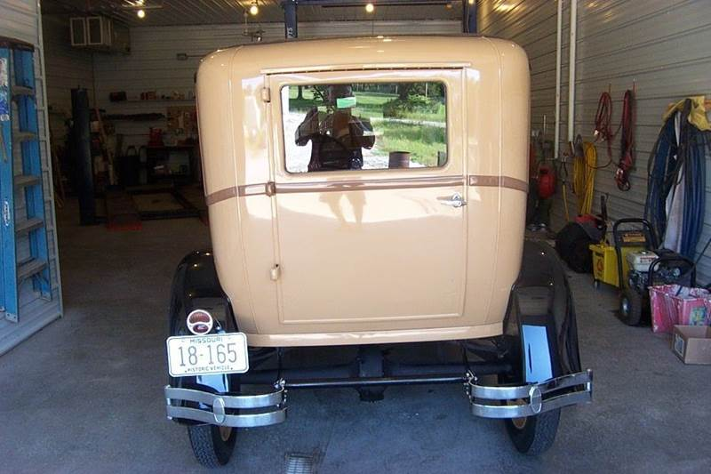 1928 Ford Model A 3 door deliviery - West Line MO