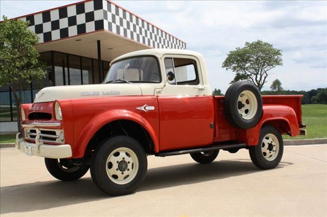 """1957 Dodge """"GIANT"""" POWER WAGON W100 1/2 T"""